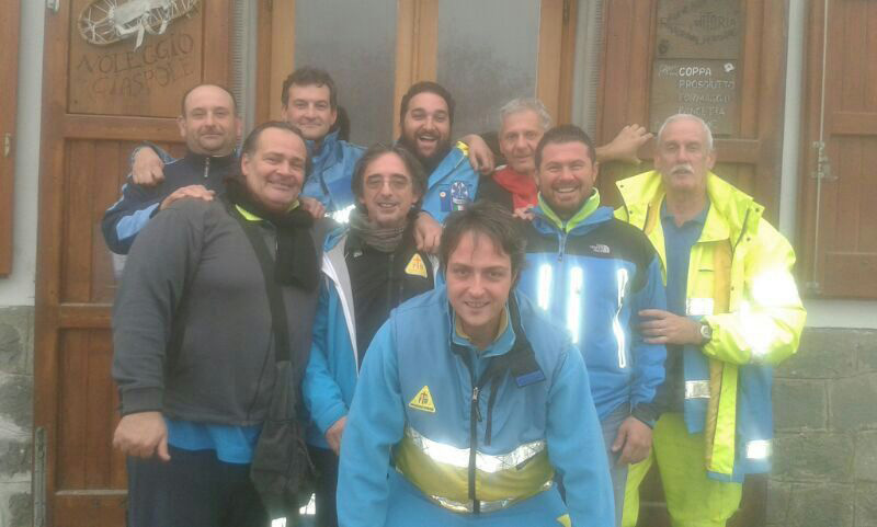 Tex along with some of his colleagues at the Misericordia of Pievepelago, and other provinces of the Emilia Romagna Soccorso Alpino.